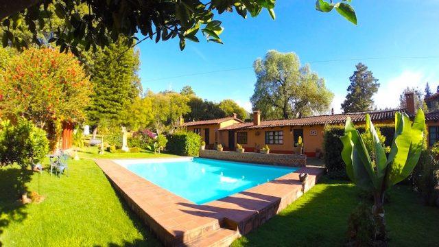 Villa Pátzcuaro Garden Hotel & RV Park