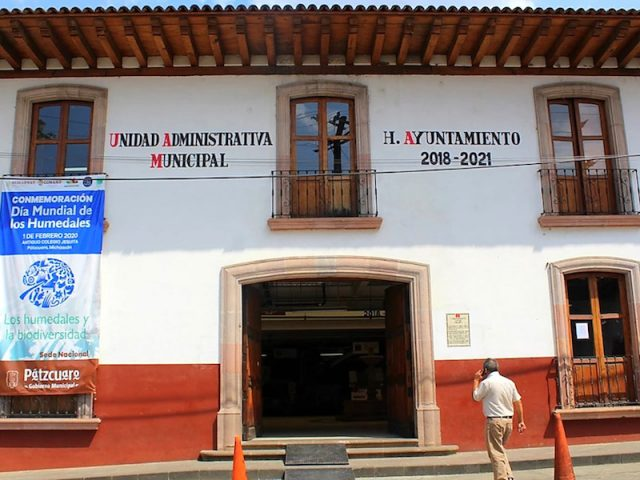 Llama gobierno de Pátzcuaro a pobladores a evitar reuniones y atender recomendaciones